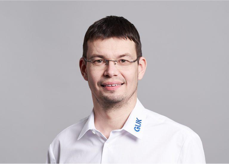 Icon_17_GUK–Mitarbeitershooting_Langhof_web.jpg